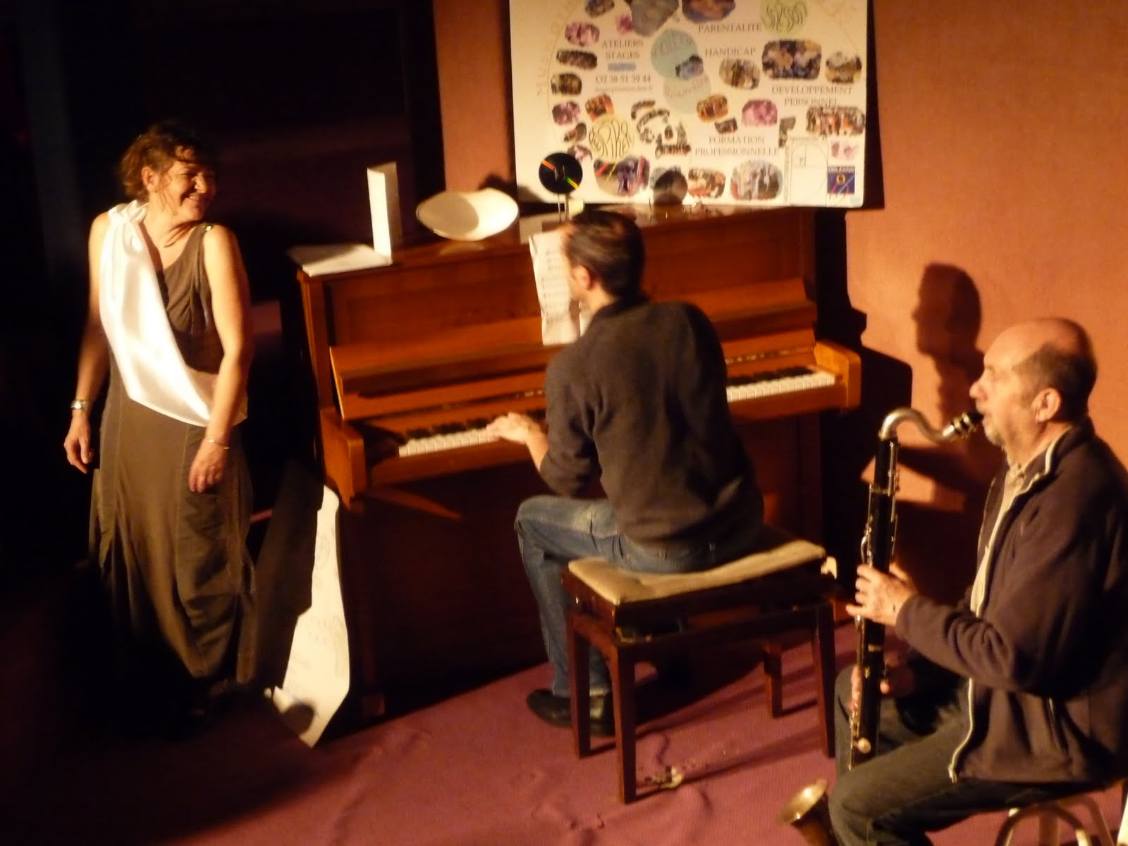 Mars 2011 -11èmes Journées Voix : VocoMotiv' - 20 ans de MUS'E ! boeuf improvisé avec Isabelle Marié-Bailly au chant, Emmanuel Dufay au piano et Daniel Amadou au saxo